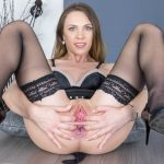 129 - Let's See Those Gaping Holes! Veronica Clark VR Porn