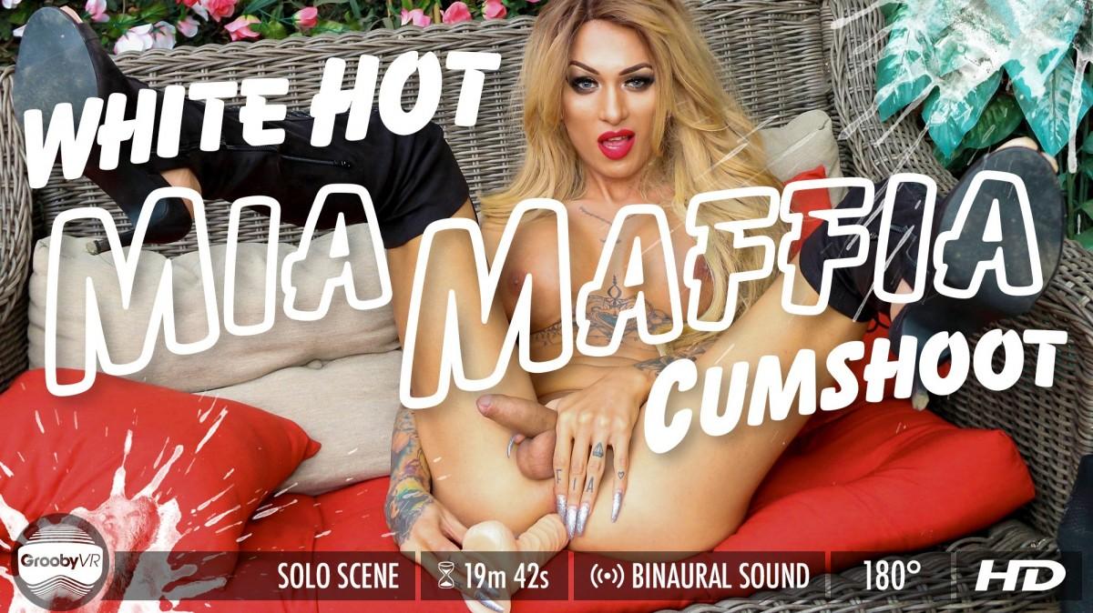 Mia Maffia in White Hot Cumshoot VR Porn