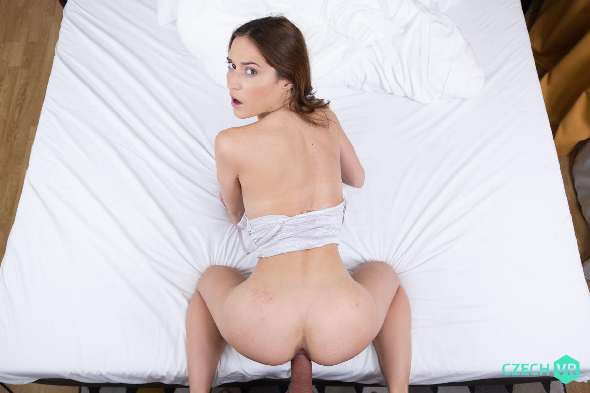 Mina K Medina VRPorn