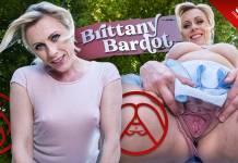 Brittany Bardot VRPorn