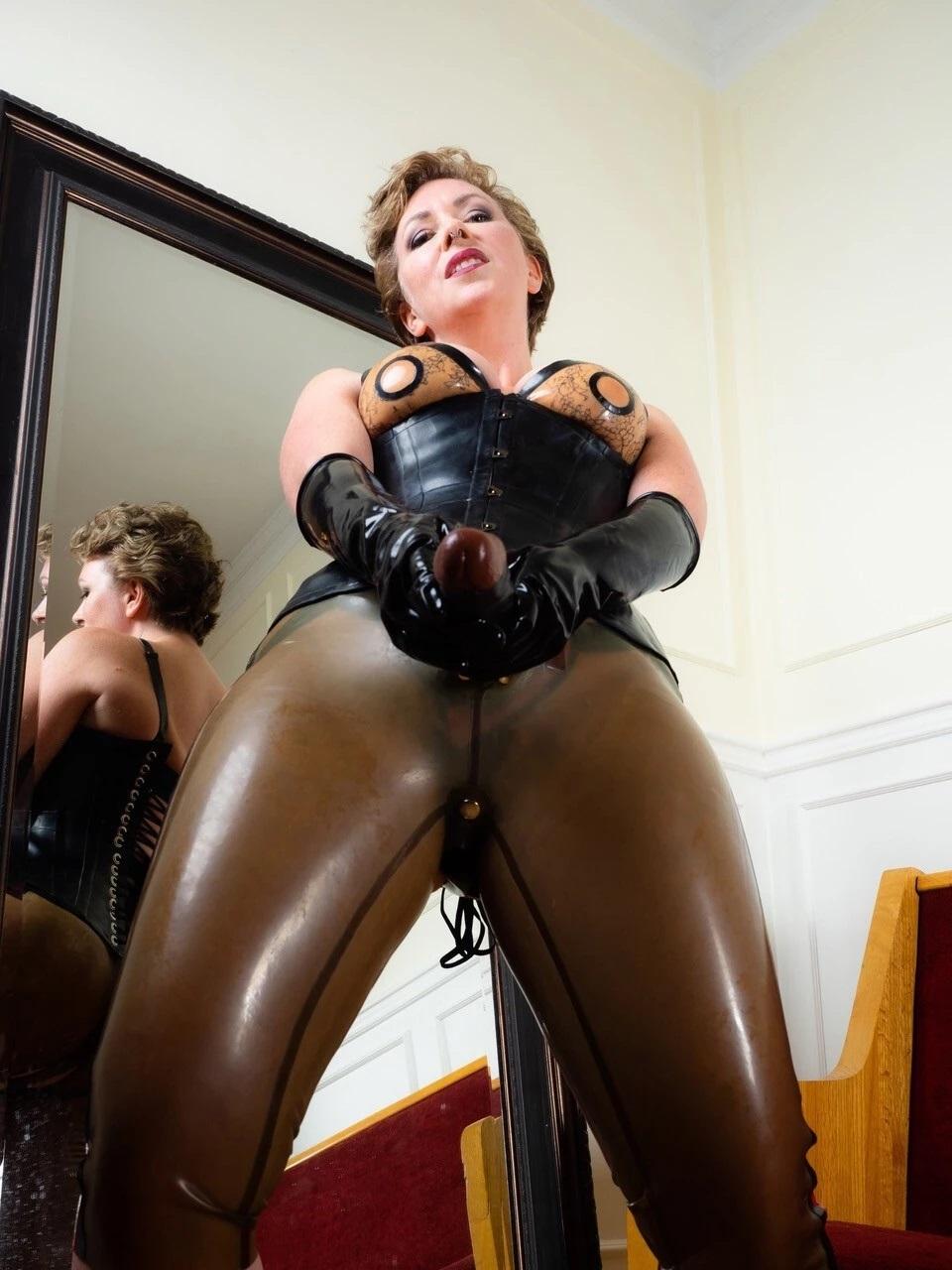 Mistress T VRPorn