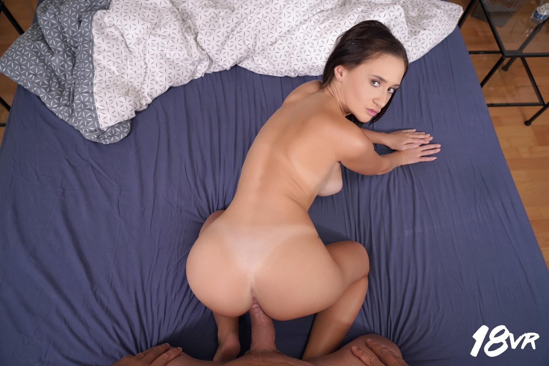 Mina Moreno VRPorn