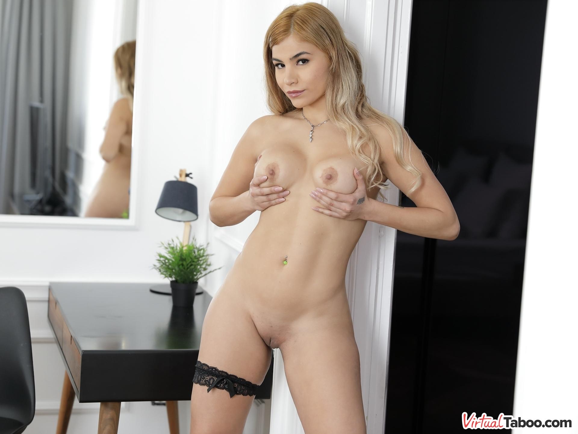 Lisa Gali VRPorn